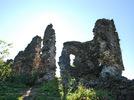 Хустський замок: руїни укріплень Верхнього двору