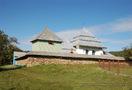 Росохи: вид на комплекс церкви и оборонную стену с юго-запада